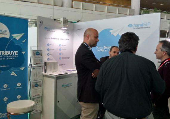 Cada compañía necesita una solución wifi a su medida, según handSIP (by Alhambra-Eidos)